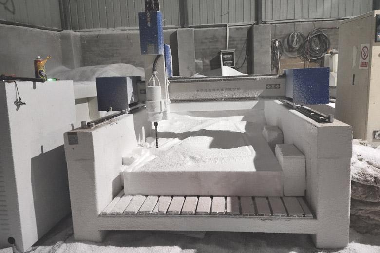 泡沫厂的泡沫雕塑机雕刻设备展示